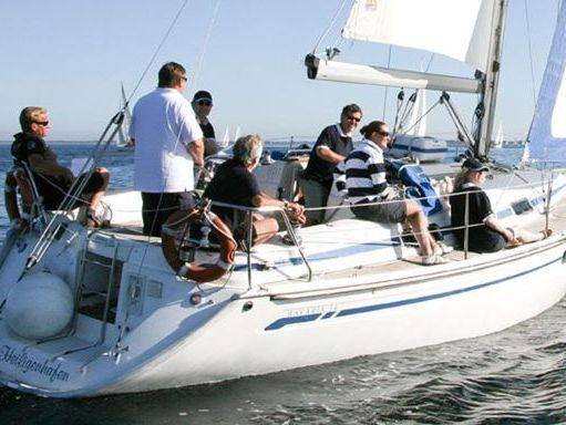 Sailboat Bavaria Cruiser 34 · 2009 (2)