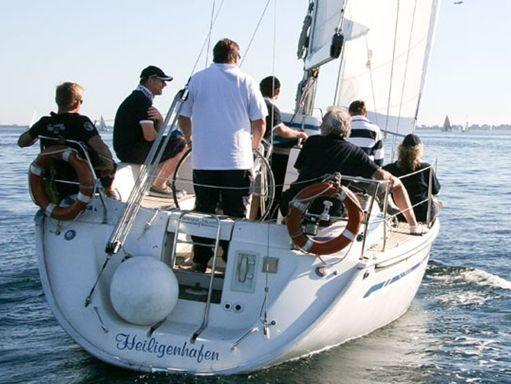 Sailboat Bavaria Cruiser 34 · 2009 (4)