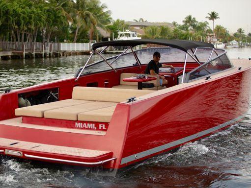 Motorboat VanDutch 40 · 2015 (1)