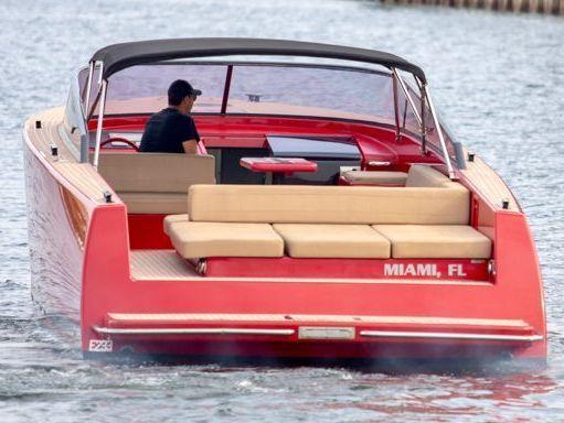 Motorboat VanDutch 40 · 2015 (2)
