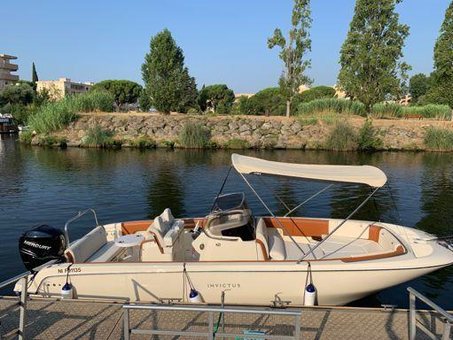 Speedboat Invictus 270 FX · 2019 (0)