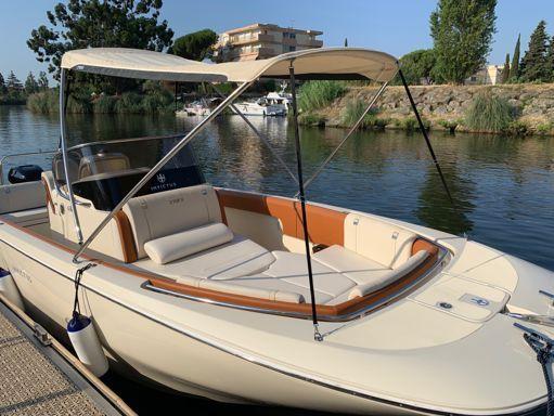 Speedboat Invictus 270 FX · 2019 (1)