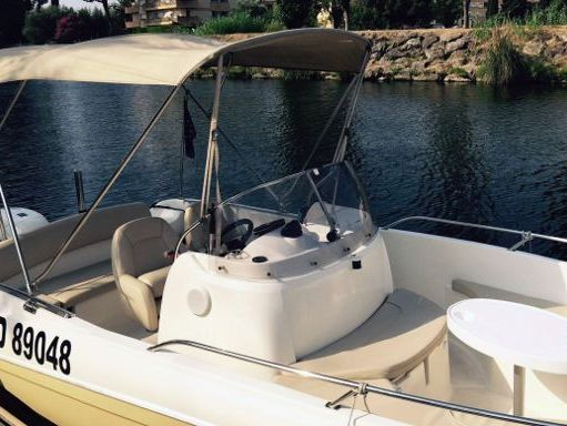Speedboat Jeanneau Cap Camarat 635 · 2012 (1)