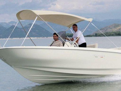 Speedboat Invictus 190 FX · 2015 (1)
