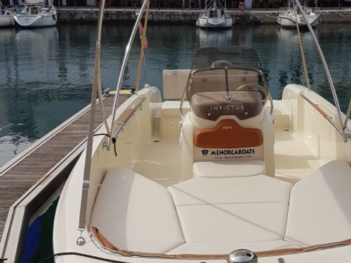 Speedboat Invictus 190 FX · 2015 (4)