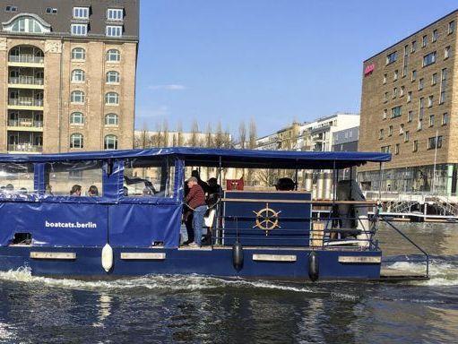 Speedboat Custom Built · 1996 (1)