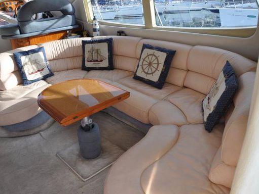 Motorboat Azimut 46 · 2000 (4)