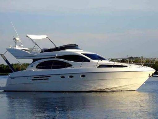 Motorboat Azimut 46 · 2000 (1)