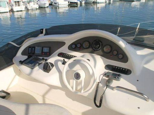 Motorboat Azimut 46 · 2000 (2)
