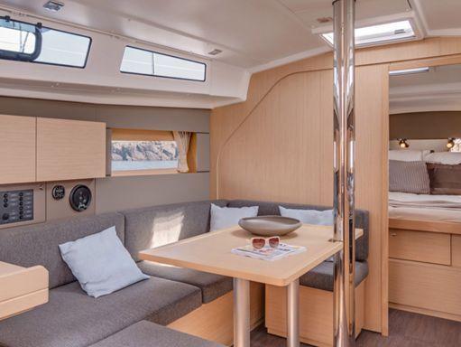 Sailboat Beneteau Moorings 382 · 2017 (1)