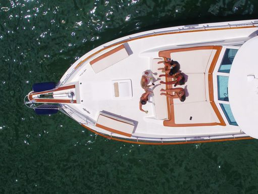 Motorboat Hatteras 75 · 2000 (refit 2020) (2)