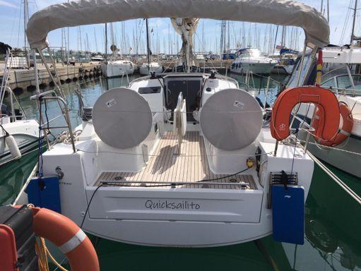 Sailboat Beneteau Oceanis 30.1 · 2020 (4)