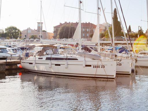 Velero Bavaria Cruiser 37 · 2016 (4)