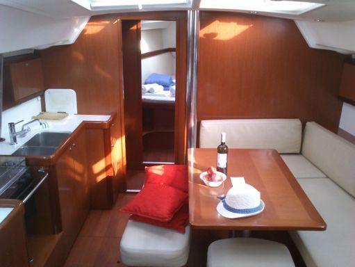 Sailboat Beneteau Oceanis 46 · 2010 (1)