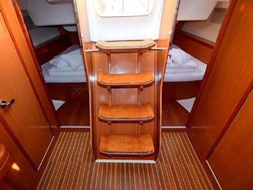 Sailboat Beneteau Oceanis 43 · 2010 (2)
