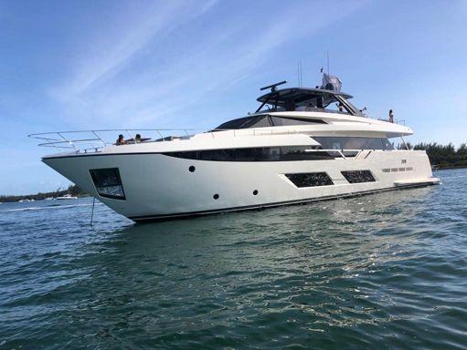 Motorboat Ferretti 97 · 2019 (refit 2012) (1)