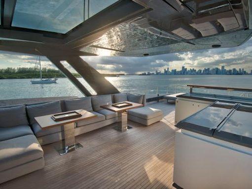 Motorboat Ferretti 97 · 2019 (refit 2012) (2)
