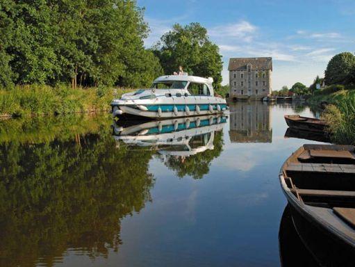 Motorboat Nicols Sedan 1170 · 2002 (2)