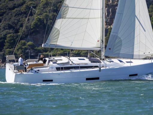 Sailboat Dufour 430 · 2020 (1)