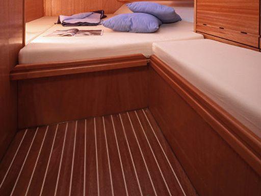 Sailboat Bavaria Cruiser 46 · 2008 (4)