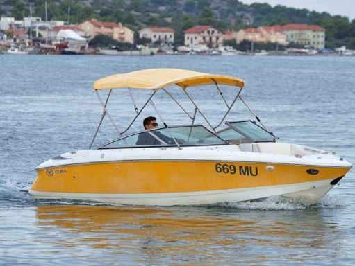 Speedboat Cobalt 220 S Bowrider · 2009 (refit 2009) (4)
