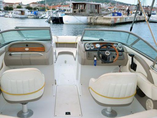 Speedboat Cobalt 220 S Bowrider · 2009 (refit 2009) (2)