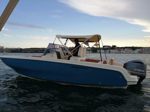 Motorboat Invictus 240 FX · 2017 (refit 2019) (4)
