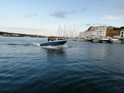 Motorboat Invictus 240 FX · 2017 (refit 2019) (2)