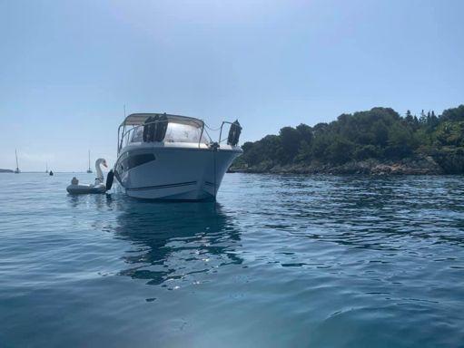 Motorboat Jeanneau Cap Camarat 8.5 WA · 2017 (refit 2017) (1)