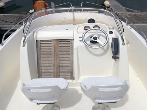 Speedboat Jeanneau Cap Camarat 635 · 2005 (refit 2019) (1)